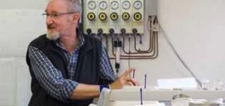 Пример из практики: Испытание изоляционных масел в лаборатории компании ABB Sécheron AG