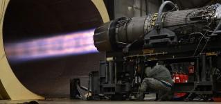 Осмотр испытательного стенда реактивных двигателей