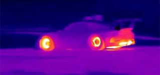Гоночные автомобили глазами инфракрасной камеры