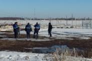 Специалисты Газпром с трассоискателями