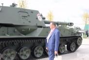 Новенький танк, ещё в масле