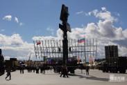 Мирное небо военной выставки