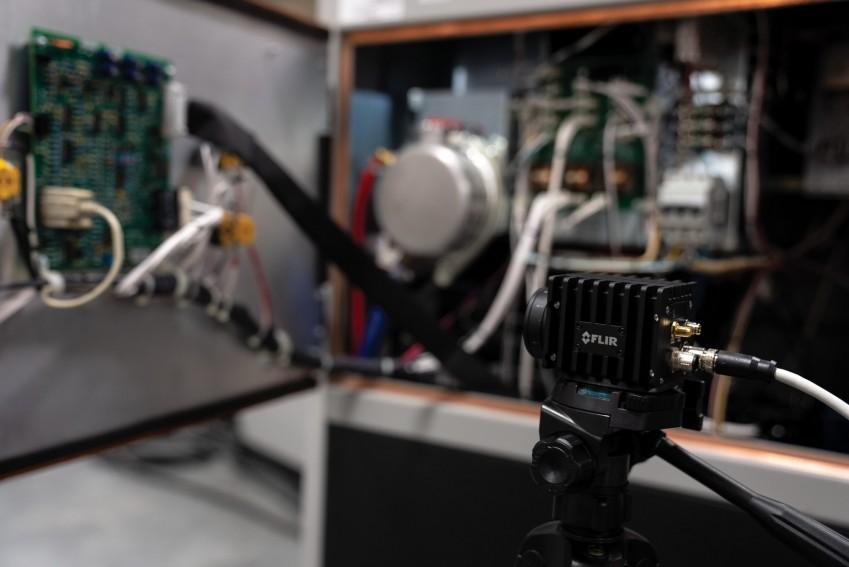Тепловизор для тестирования электроники