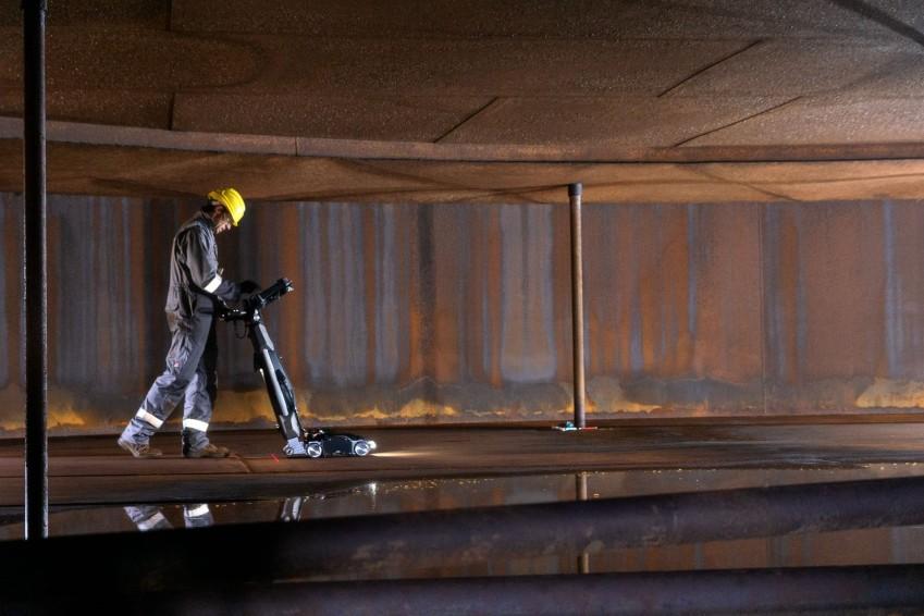 Промышленная инспекция резервуаров