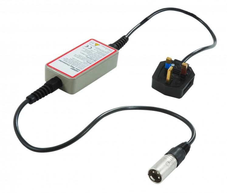 Адаптер подачи сигнала в электросетевую розетку под напряжением для C.A.T.
