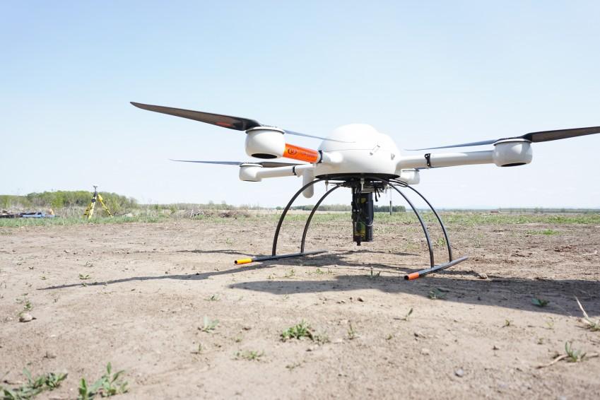 Квадрокоптер с детектором утечек метана LMC