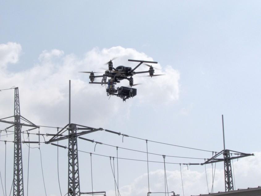 УФ камера ROMpact обследует ЛЭП