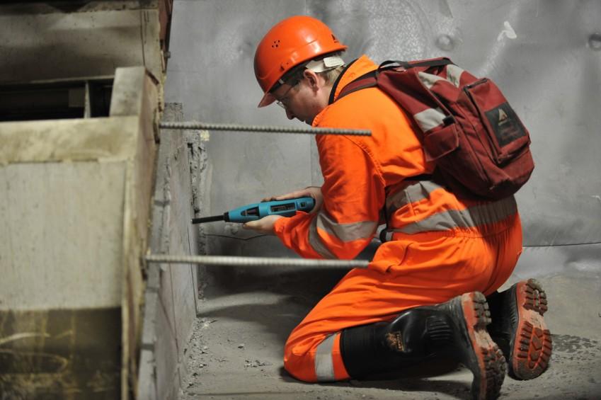 Определение прочности бетона молотком Шмидта SilverSchmidt